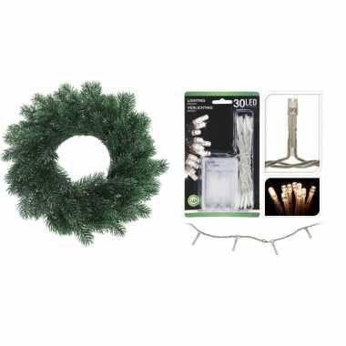Dennenkrans/deurkrans 35 cm inclusief warm witte kerstverlichting
