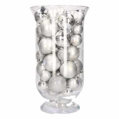 Sfeerverlichting zilveren kerstballen in vaas